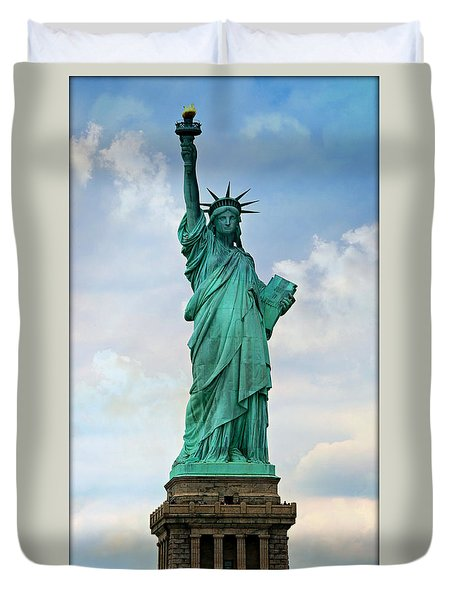 Statue Of Liberty Duvet Cover by Stephen Stookey