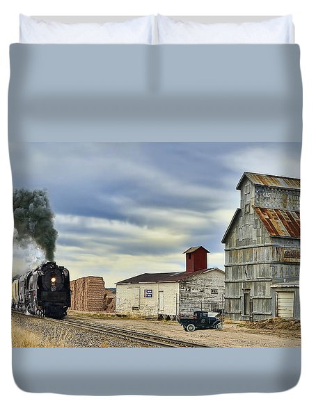 Steam In Castle Rock Duvet Cover by Ken Smith