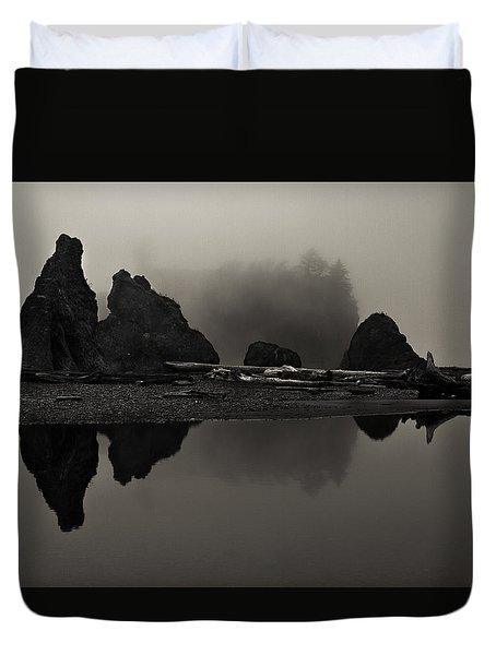 Stillness At Ruby Beach Duvet Cover