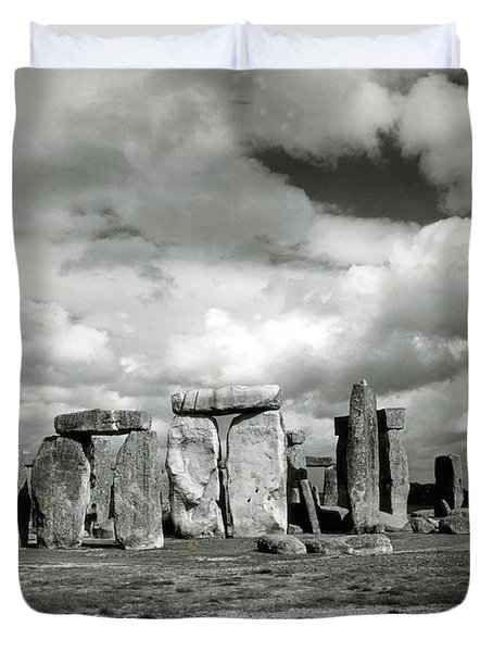 Stonehenge Prehistoric Monument Duvet Cover by Science Source