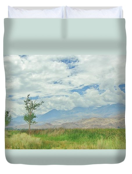 Duvet Cover featuring the photograph Stormin by Marilyn Diaz