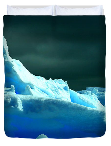 Duvet Cover featuring the photograph Stormy Icebergs by Amanda Stadther