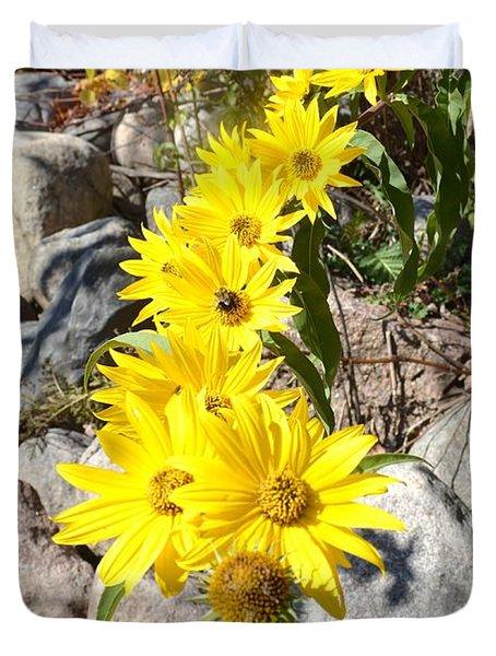 Strand Of Flowers Duvet Cover