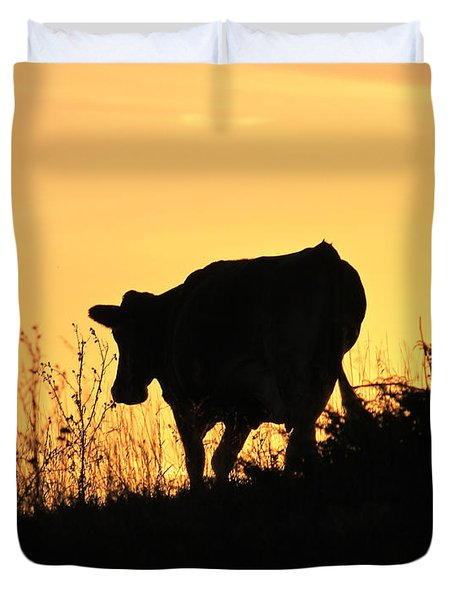 Duvet Cover featuring the photograph Strolling Into The Sunset by Penny Meyers