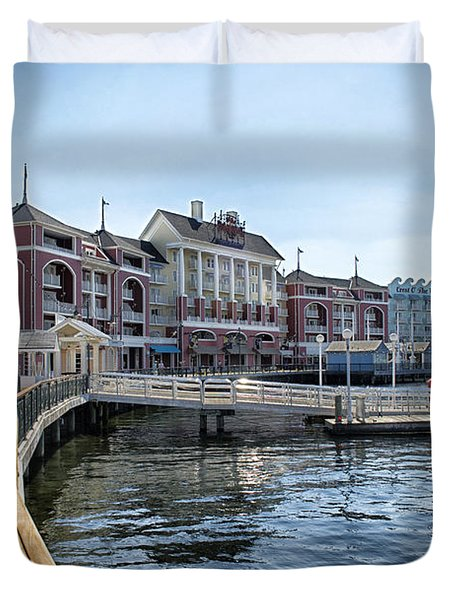 Strolling On The Boardwalk At Disney World Duvet Cover