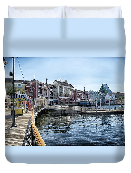 Strolling On The Boardwalk At Disney World Duvet Cover by Thomas Woolworth