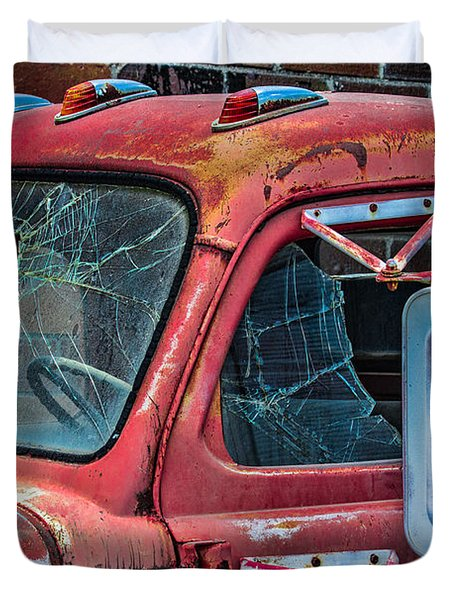 Duvet Cover featuring the photograph Strong City Red by Steven Bateson