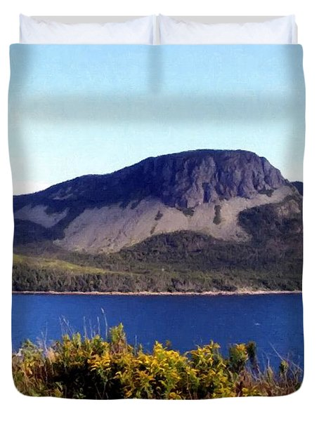 Sugarloaf Hill In Summer Duvet Cover by Barbara Griffin