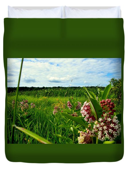 Duvet Cover featuring the photograph Summer Breeze by Zafer Gurel