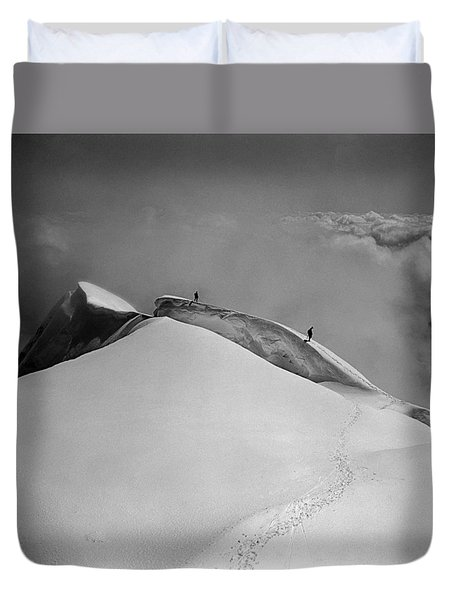 T-702412-bw-summit Of Mt. Robson Duvet Cover