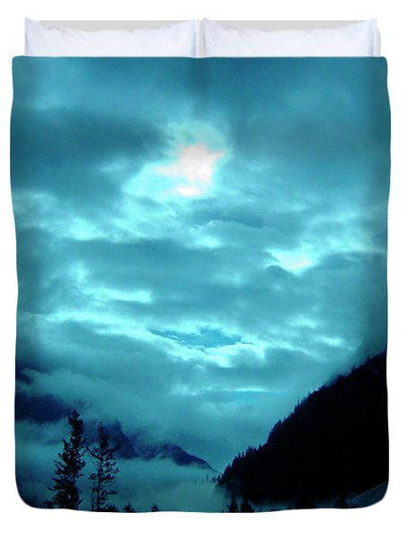 Duvet Cover featuring the photograph Sunday Morning by Jeremy Rhoades