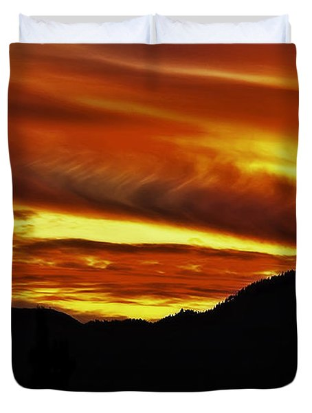 Sundown Over The Sierras Duvet Cover by Nancy Marie Ricketts