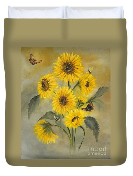 Duvet Cover featuring the painting Sunflower Bouquet by Carol Sweetwood