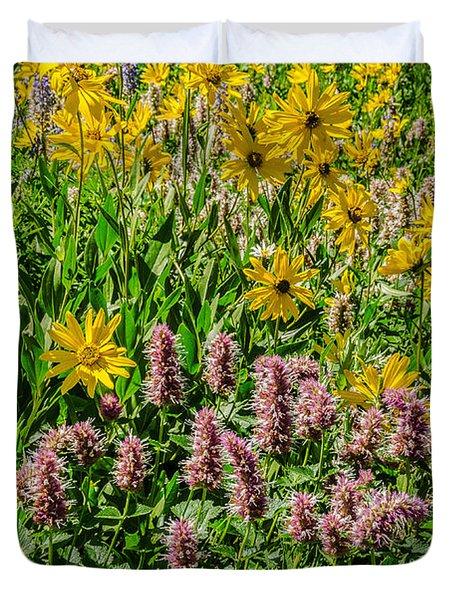 Sunflowers And Horsemint Duvet Cover