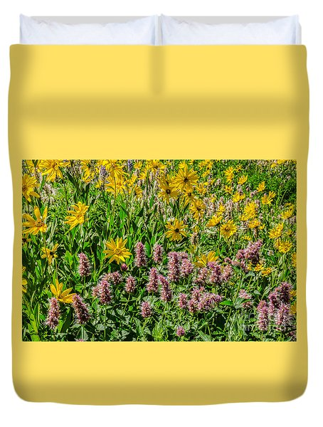 Sunflowers And Horsemint Duvet Cover by Sue Smith