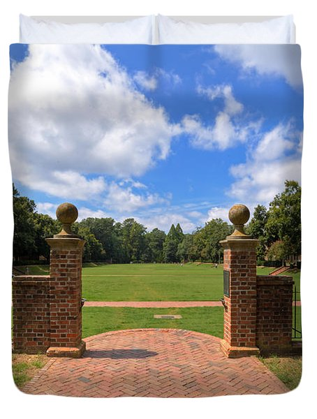 Duvet Cover featuring the photograph Sunken Garden At William And Mary by Jerry Gammon