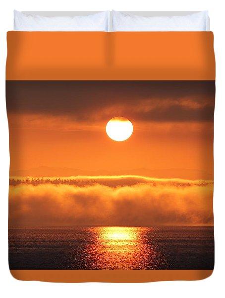 Duvet Cover featuring the photograph Sunrise And Fog by E Faithe Lester