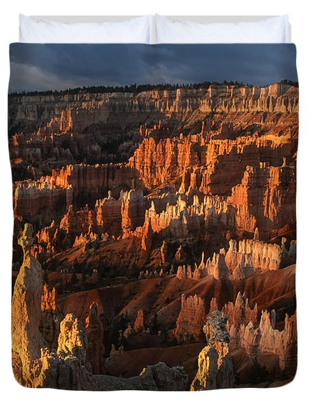 Sunrise At Bryce Canyon Duvet Cover by Sandra Bronstein