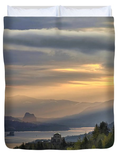 Sunrise At Columbia River Gorge Duvet Cover by David Gn