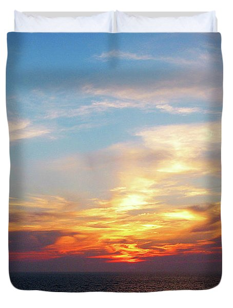Sunrise At Sea Duvet Cover by Susan Savad