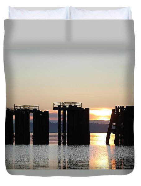 Duvet Cover featuring the photograph Southworth Ferry Pilling At Dawn by E Faithe Lester