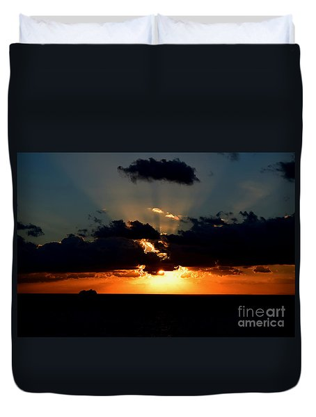Duvet Cover featuring the photograph Sunset Cruise by Gary Smith