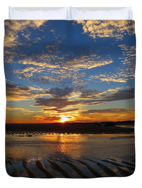 Duvet Cover featuring the photograph Sunrise Glory by Dianne Cowen