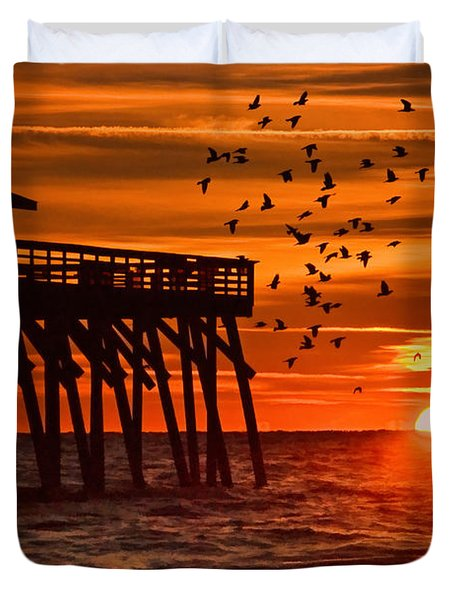 Sunrise In Myrtle Beach With Birds Flying Around The Pier Duvet Cover
