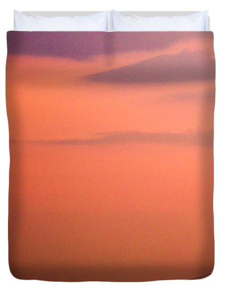 Duvet Cover featuring the photograph Sunrise In New York by Sara Frank