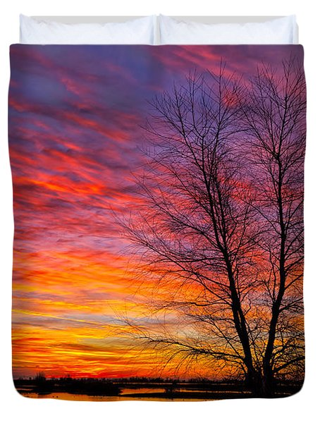 Sunrise In The Sacramento Valley Duvet Cover