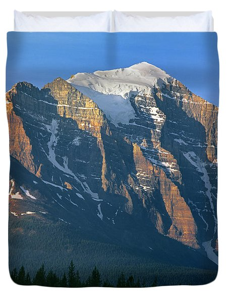 1m3518-sunrise On Mt. Temple Duvet Cover