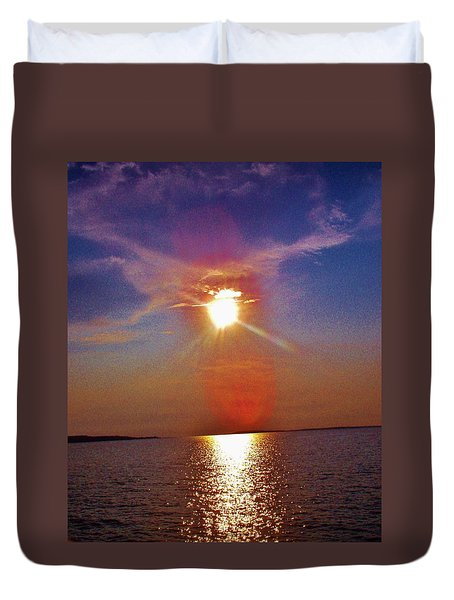 Duvet Cover featuring the photograph Sunrise Over The Big Mac by Daniel Thompson