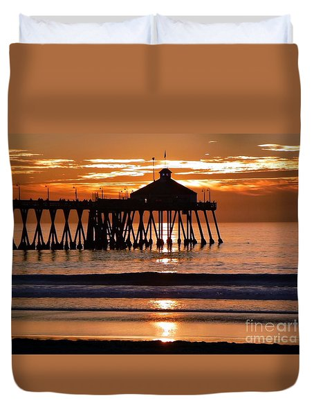 Sunset At Ib Pier Duvet Cover by Barbie Corbett-Newmin