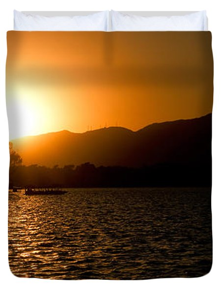 Sunset At Kunming Lake Duvet Cover