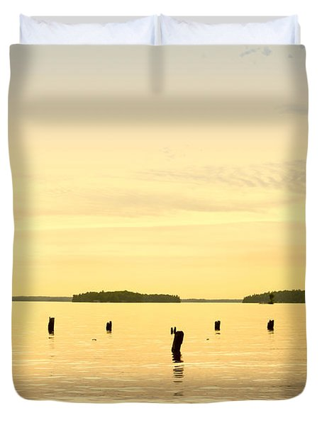 Duvet Cover featuring the photograph Sunset At Lake Muskoka by Les Palenik