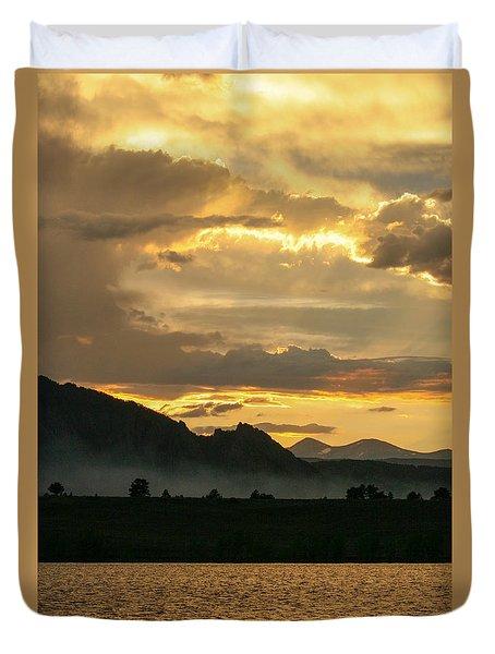 Smokey Sunset At Marshall Lake Duvet Cover