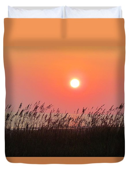 Duvet Cover featuring the photograph Sunset At The Beach by Cynthia Guinn