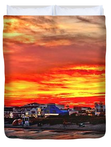 Sunset At The Music Pier Duvet Cover by Nick Zelinsky
