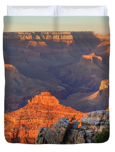 Duvet Cover featuring the photograph Sunset At Yaki Point by Alan Vance Ley
