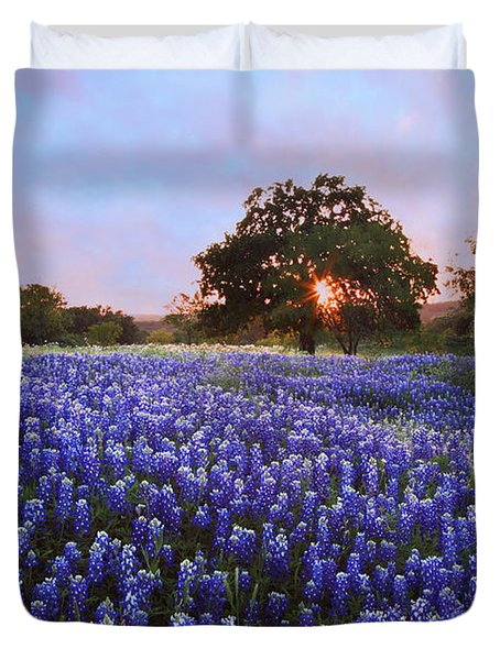 Sunset In Bluebonnet Field Duvet Cover