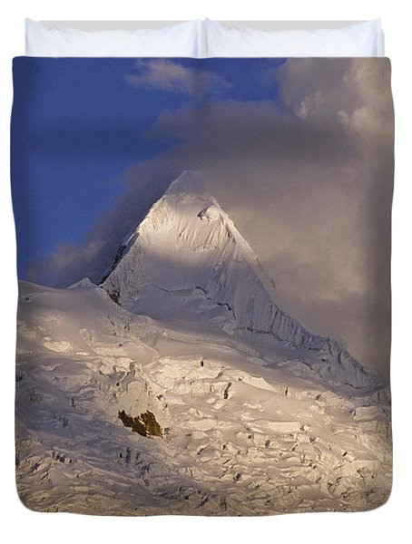 sunset on Alpamayo Duvet Cover by Rudi Prott