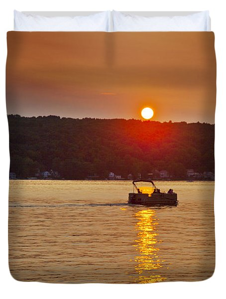 Boating Into The Sunset Duvet Cover by Richard Engelbrecht