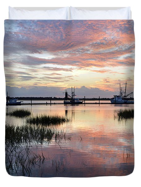 Sunset On Jekyll Island With Docked Boats Duvet Cover
