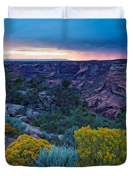 Sunset Over Black Mesa At Canyon De Chelly Duvet Cover