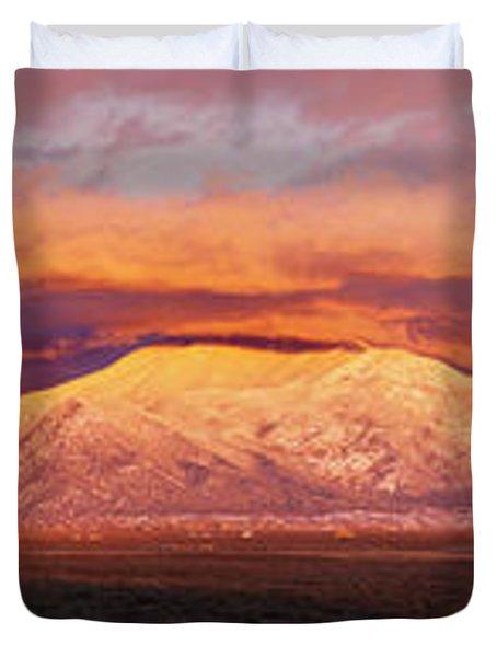 Sunset Over Mountain Range, Sangre De Duvet Cover