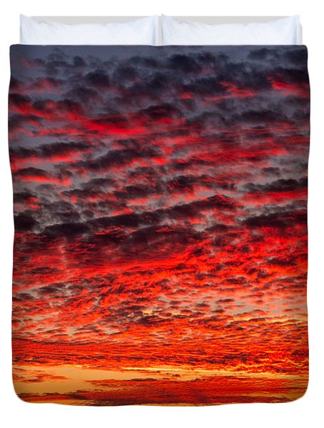 Sunset Over Saunder's Reef Duvet Cover