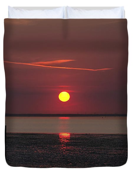 Sunset Over The Hampshire Coast Duvet Cover by Rod Johnson