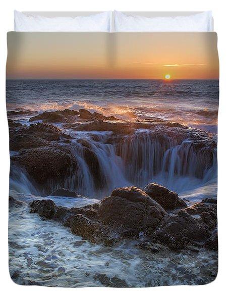 Sunset Over Thor's Well Along Oregon Coast Duvet Cover
