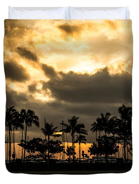 Duvet Cover featuring the photograph Sunset Over Waikiki by Angela DeFrias