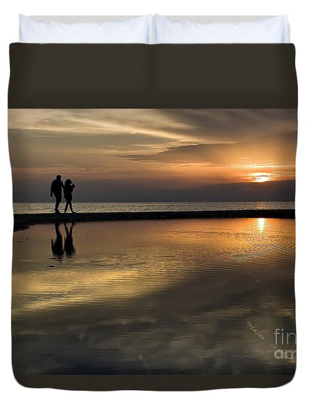 Sunset Reflection And Silhouettes Duvet Cover